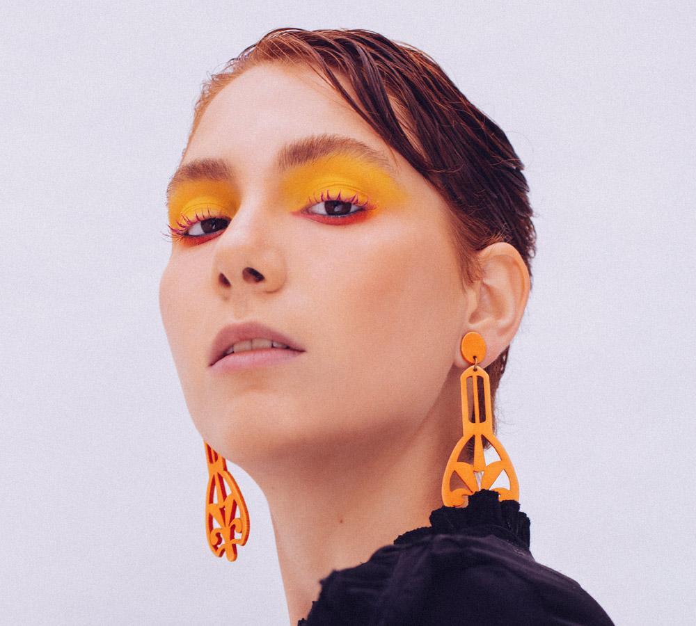 ¿Buscando un curso para convertirte en maquillador profesional?