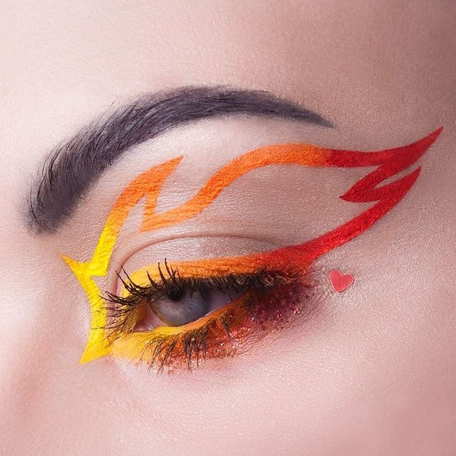 eyeliner-grafico-tendencias-maquillaje