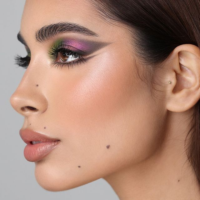 sombras-metalicas-tendencia-maquillaje-ojos